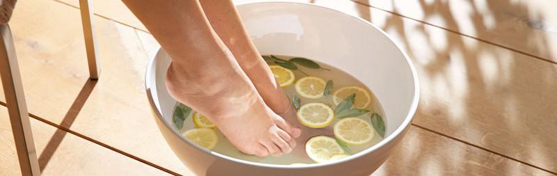 Dr.Hauschka : Le soin global pour la peau commence par les pieds